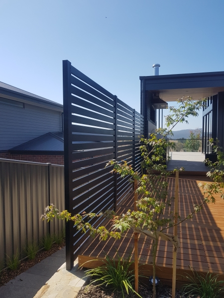 Aluminium privacy screen 2